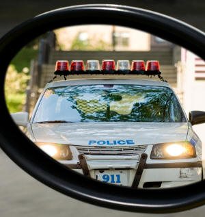 What are police officers permitted to do during a traffic stop?